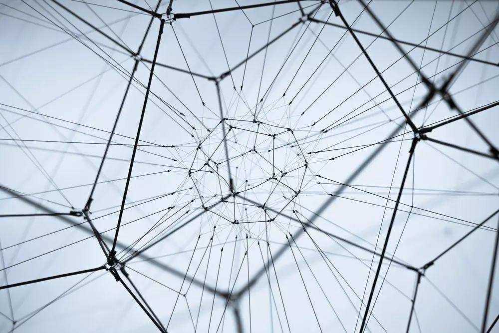 【企服快讯】朱啸虎:当今的区块链相当于砖头机时代的移动互联网