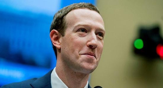 【企服快讯】媒体曝Facebook创始人扎克伯格或遭逼宫
