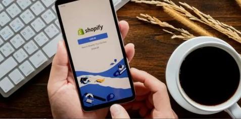 对标Shopify的千亿市值,有赞还要走多久?